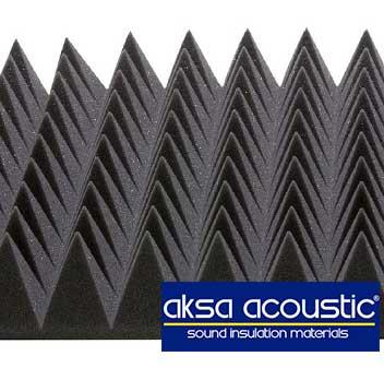 acoustic-pyramid-foam-studio